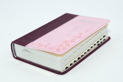 Biblia format mic, cu index, margini argintii cuv. Dl Isus in rosu, roz mov