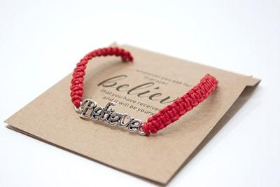 Brăţară - Believe- şnur împletit manual roşu
