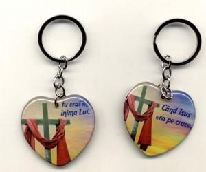 Breloc: Când Isus era pe cruce tu erai în inima Lui.